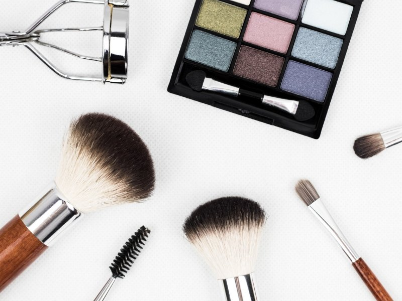 Gorgeous Makeup Looks For New Years Eve - Ellis James Designs