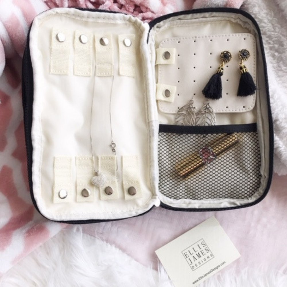 Cierra Ellis James Designs Babe Hanging Organizer and Jewelry and Makeup Bag