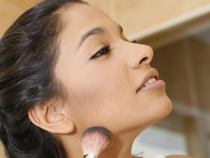 6 Best Foundations for Sensitive Skin with Acne to Prevent Breakouts and Irritation