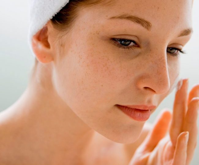 How to Use Tinted Moisturizers the Right Way