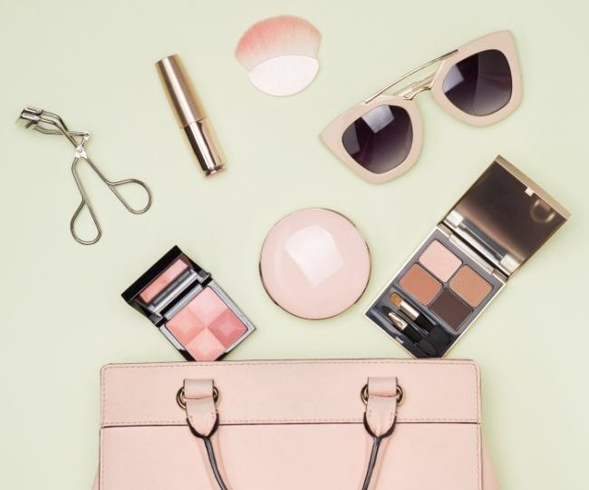Toiletry Bag vs Cosmetic Bag: What's the Difference?
