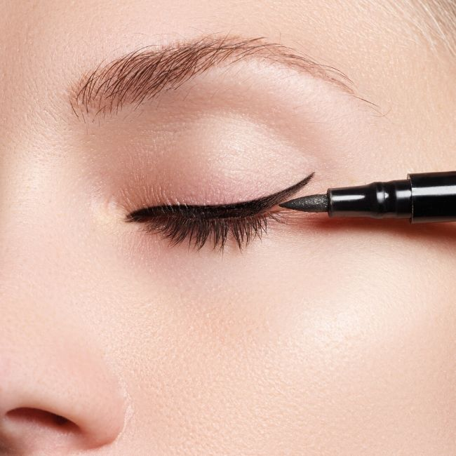 best eyeliner for tightlining oily skin on the lids