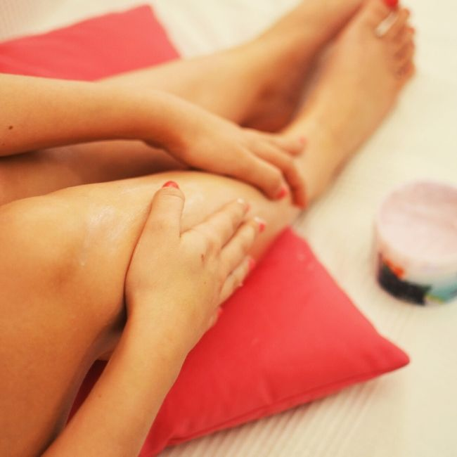 How To Exfoliate Dry Skin On Legs For Smoother Silkeir Legs