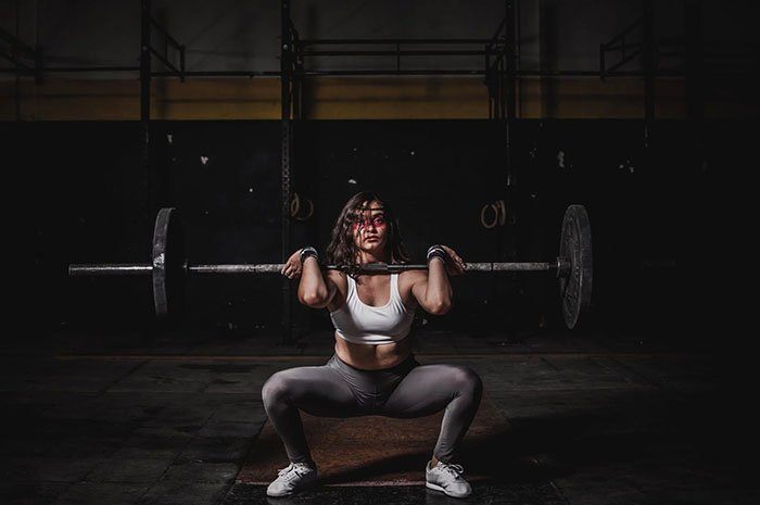 athletic women clothes and accessories