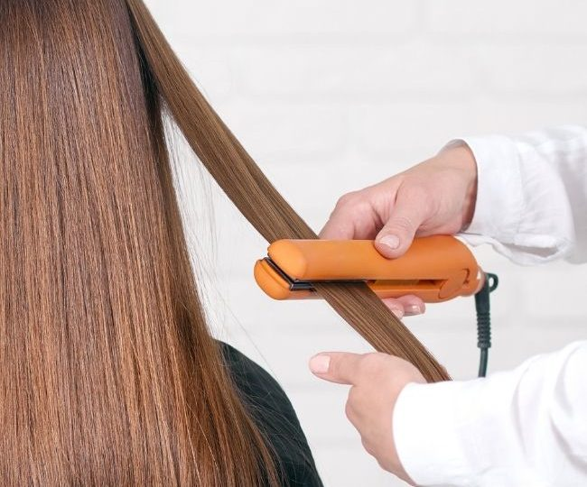 Titanium vs Ceramic Flat Iron: Which is Better for Your Hair?